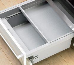 Ящик в консоле кухни